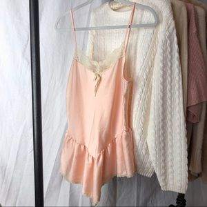 ✸3 for $30✸ VINTAGE/ lace ruffle cami top